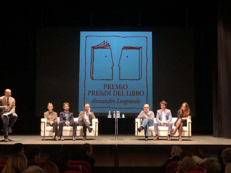 Presìdi del Libro, nei premi a Del Soldà e Calaciura narrazione d'inchiesta, canto di Natale e l'eterna lotta tra verità e giustizia