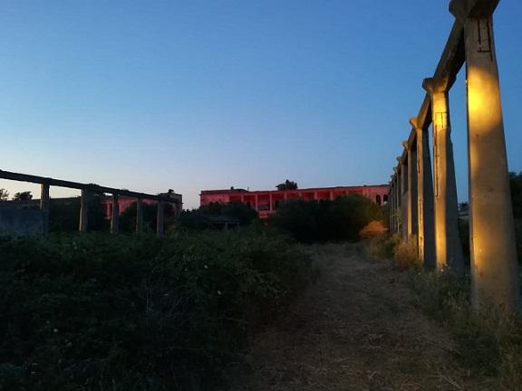 Ex idroscalo Ivo Monti sul Lago Varano, le notti shakespeariane illuminano il futuro di un posto da sogno