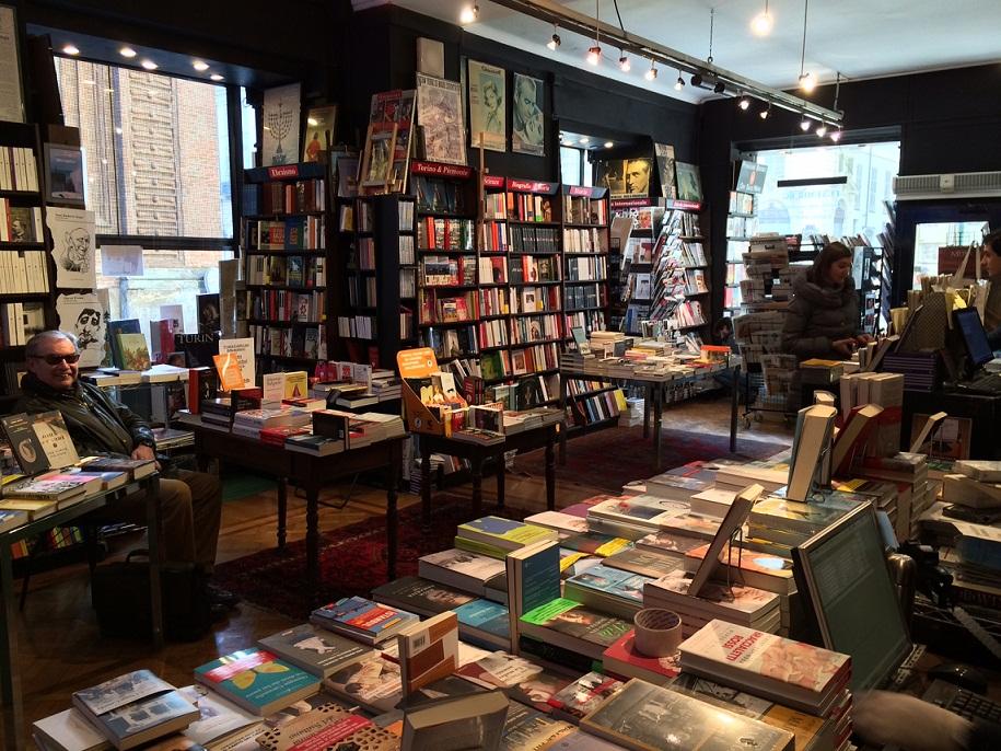 """Le """"nostre"""" librerie: una guida alle librerie italiane viventi"""
