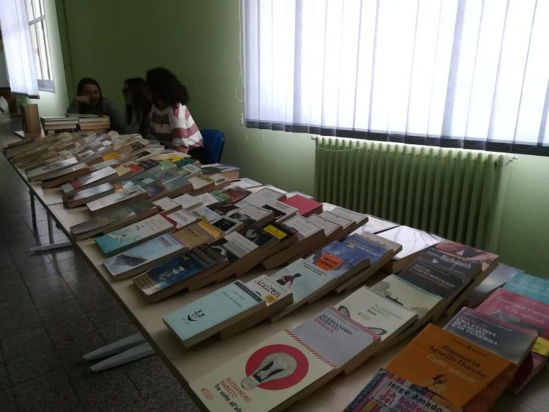 Community Library diffusa al Liceo Poerio per allenare coi libri la mente e i corpi con la wi bike