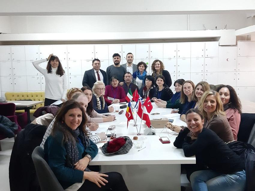 Erasmus+ 2019-2021, le smart strategies di incontro e confronto ad Istanbul tra insegnanti di diverse culture