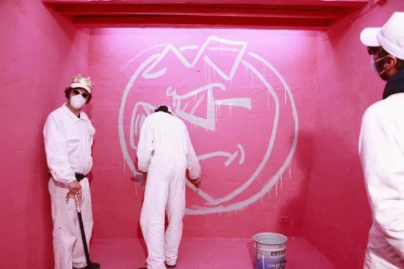 """Dott. PorkA's, quando la Urban Art, tra umoristico e dada, induce a """"pensare su quello che guardi"""""""