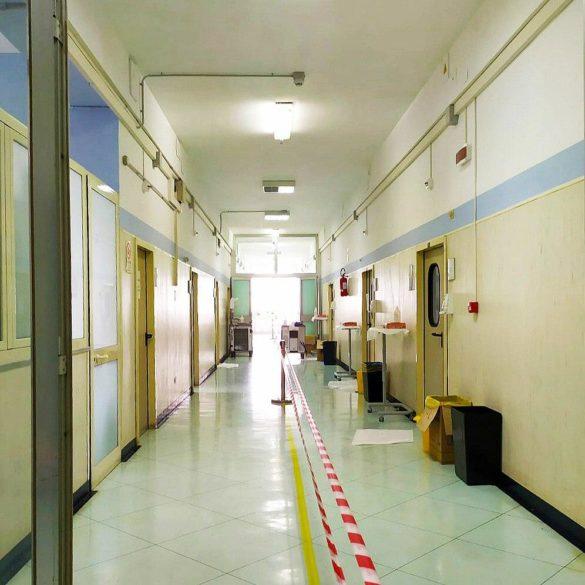 """Vita da infermiera Covid. Carmela Ferone del Cotugno: """"Nel vestirti è come se ogni volta dovessi segnare il tuo destino"""""""