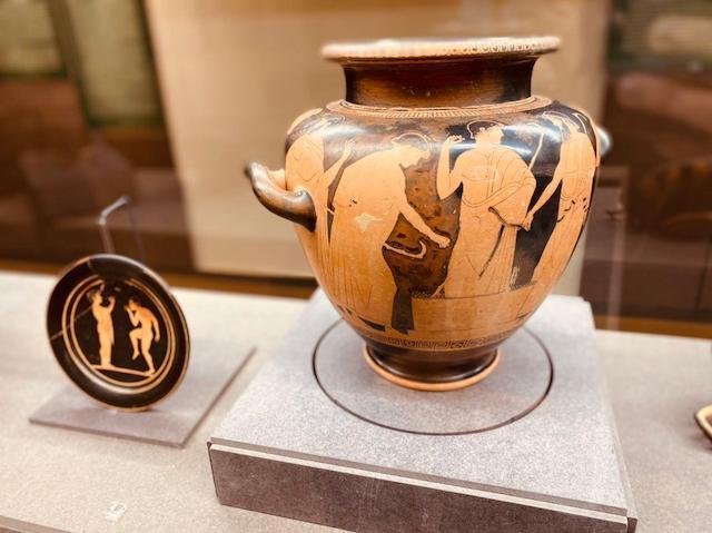 """""""Una collezione unica che racconta la vita delle comunità etrusche"""", Mario Iozzo racconta la collezione Passerini"""