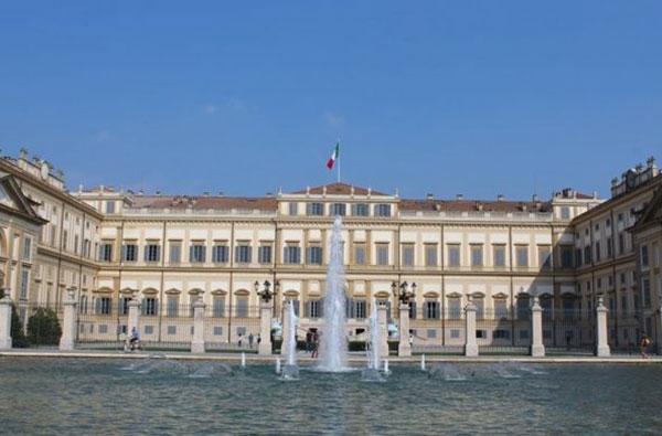 Villa Reale di Monza chiude: mostre cancellate ed arredi all'asta